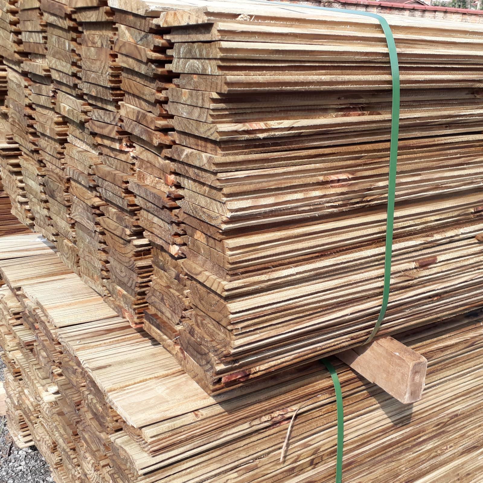 Frontal e Assoalho de Pinus Tratado.