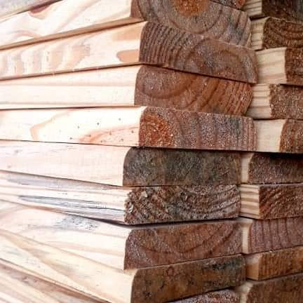 Régua de Deck Pinus Natural